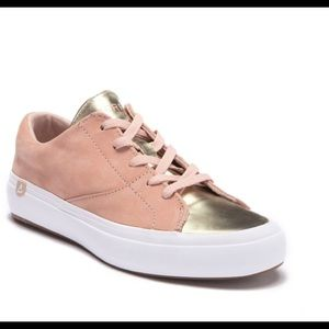 ⭐️NWT⭐️Sperry Leather Gold Metallic Sneakers